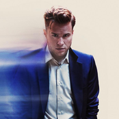 Olly Murs feat. Travie McCoy – Wrapped Up